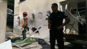 Ashdod synagogue hit by rocket fire - July 22, 2014